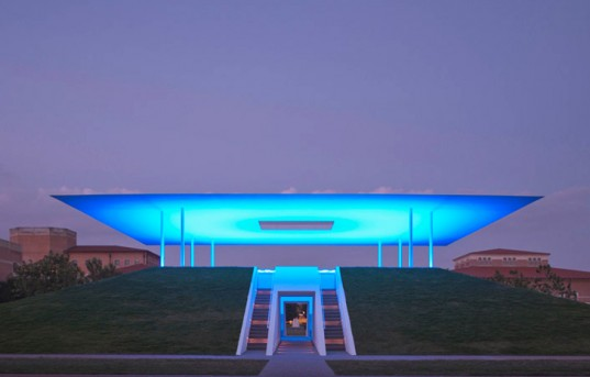 Twilight Epiphany Skyspace by James Turrell Suspends Time and Space With LEDs in Houston