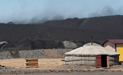 Energy Agency Sees Global Coal Boom Unabated, Europe's Binge Temporary